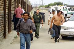 Certificamos nacionalidad mexicana de deportados antes de que entren al país: INM (conectaabogados) Tags: antes certificamos deportados entren mexicana nacionalidad país