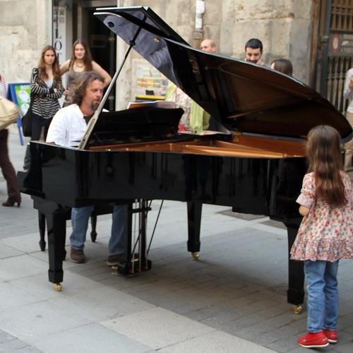 CONCURSO PERMANENTE DE JÓVENES INTÉRPRETES - JUVENTUDES MUSICALES DE ESPAÑA - VALLADOLID - ABRIL 2011 by juanluisgx