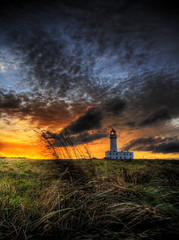 Flamborough Lighthouse (Corica) Tags: uk greatbritain sunset england sky lighthouse grass clouds photoshop bravo yorkshire hdr eastyorkshire flamborough photomatix eastriding corica flamboroughlighthouse wab2007nov