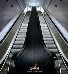 pantene-escalator
