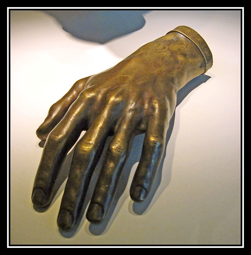 Fr�d�rique Chopin's hand cast.