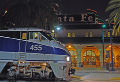 Surfliner (So Cal Metro) Tags: railroad santafe night train sandiego amtrak trainstation depot pacificsurfliner surfliner f59 emd f59phi amtk amtk455