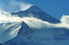 Jomo langma, 8850 m Tibet (MtEverest) (reurinkjan) Tags: 2004 nature tibet everest 8850m jomolangma utsang tibetanlandscape chomolungmasagarmatha janreurink jomoglingma བོད། བོད་ལྗོངས། བཀྲ་ཤིས་བདེ་ལེགས། དབུས་གཙང་།