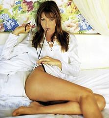 Carla Bruni pose untuk majalah