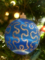 The blue bell of Christmas (Vintage Loves Roses) Tags: christmas xmas blue tree glitter bauble top20blue