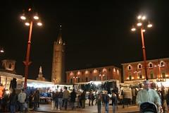 Mercato in Piazza Saffi a Forlì