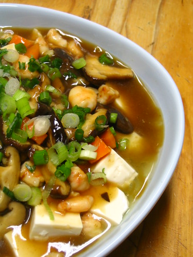 Tofu with prawns and mushroom