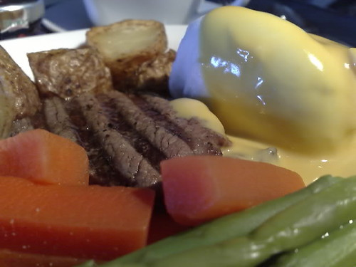 Poached eggs and tenderloin with Hollandaise sauce