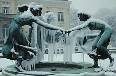 frozen beauties (Vina the Great) Tags: park winter sculpture snow cold art ice fountain frozen antwerp elemental denbrandt mmuuaaxx tweeduizend beukenlaan