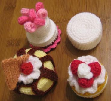 Qui gli schemi. Cake Sachets by Norma Lynn Hood