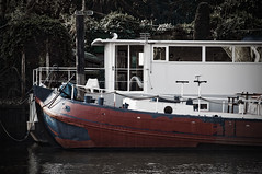 Boat (Matthew Piper) Tags: red london thames river boat richmond upon moorings