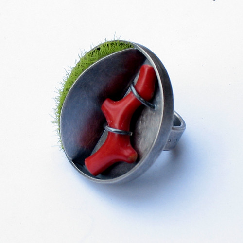 moss & coral ring by joannagollberg.