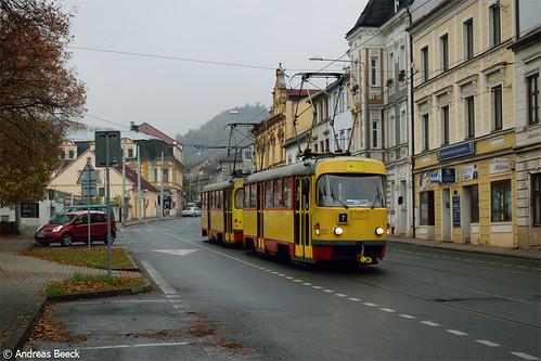 Litvínov (CZ), 05.11.16, T3SUCS 233+269 zwischen den Haltestellen poliklinika & obchodní dům