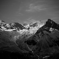 Alpen (dongga BS) Tags: blackandwhite bw mountain alps canon schweiz switzerland berge sw alpen schwarzweiss tamron wallis valais zinal valdanniviers eos50d