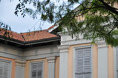 old windows (PixCrazy) Tags: singapore nikondigital d300 nikond300users
