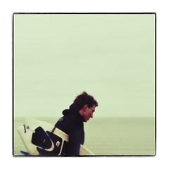 focused [winter surfer] (Ando : @_AndoPerez) Tags: blue digital square sx70 surf surfer retro grainy creamy alchemy secretrecipe g9 bluessecretrecipe justaddblue imagealchemy canong9 theimagealchemist