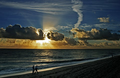 Florida skies - Dawn patrol on Jupiter Beach (s0ulsurfing) Tags: ocean morning travel blue light shadow sea vacation sky people usa cloud sun sunlight holiday seascape reflection beach nature water weather silhouette clouds america sunrise wow walking dawn coast sand skies contrail natural bright florida walk unitedstatesofamerica wide shoreline january tracks silhouettes footprints dramatic fluffy wideangle coastal american shore tropical getty coastline rays jupiter sunrays 2008 fla stroll shafts tropics beams nube sunup sunbeams daybreak meteorology southflorida nephology stratocumulus strolling 10mm sigma1020 s0ulsurfing fivestarsgallery