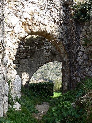 sous les ruines 2.jpg