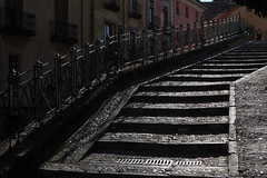 escaleras a cuenca (antonio f. martinez) Tags: escada supershot goldstaraward alarecherchedutempperdu