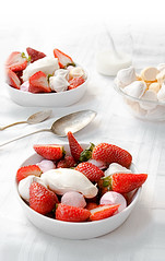 Strawberries pavlova (BAs cooking) Tags: red dessert rojo sweet cream strawberries pavlova meringue morangos frutillas cremadeleche meremge