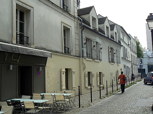 rue saint blaise et tables.jpg