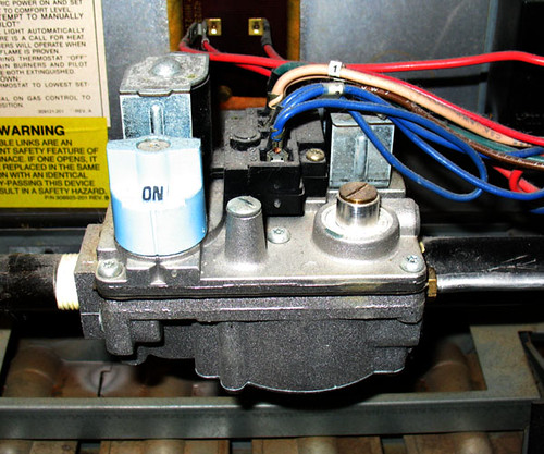 Sticking gas valve in furnace