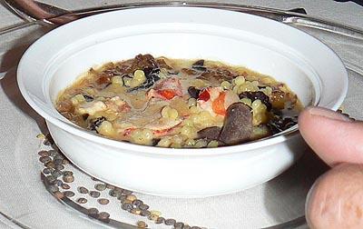 petit caviar de pâtes, homard et truffe.jpg