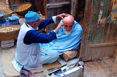 Street Barber - Peshawar ,Pakistan (friend_faraway ...Back Home~) Tags: pakistan haircut barber peshawar salon bazaar fabulous oldcity northernpakistan streetbarber welltaken supershot diamondclassphotographer khyberbazaar nwfpnorthwestfrontierprovince