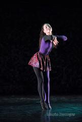 The Ballerina (MARIO BOURGES) Tags: light shadow black feet luz modern hair dance ballerina darkness purple sombra dancer skirt preto short ps dana moderno cabelo bailarina roxo saia curta escurido danarina