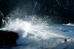 AYUDA - HELP (Alfredo Rperez) Tags: sea espaa grancanaria mar spain agua olas islascanarias espuma smrgsbord ruprez brillianteyejewel worldtrekker
