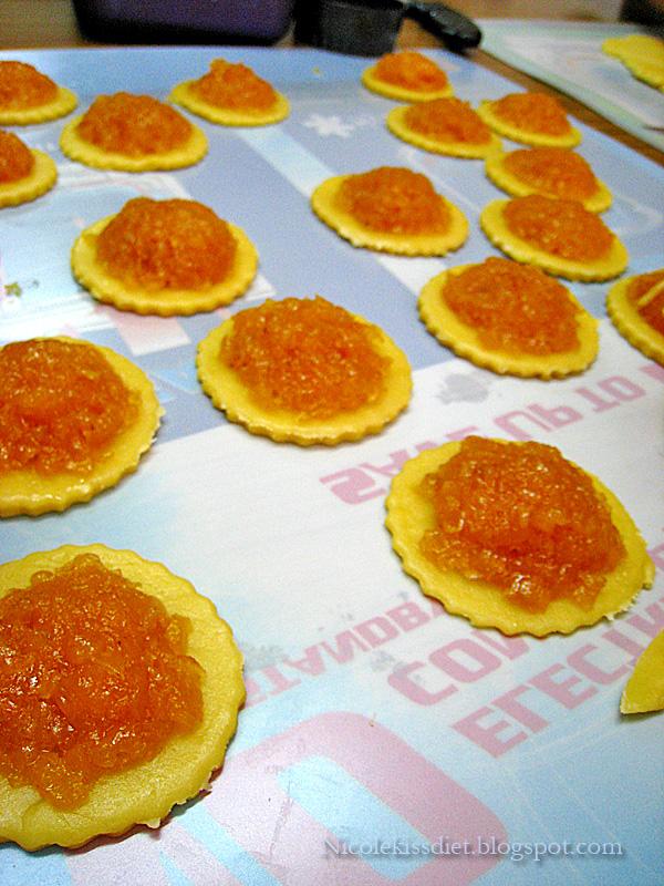pineapple paste on dough
