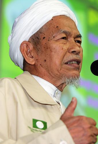 Tuan Guru Nik Abdul Aziz