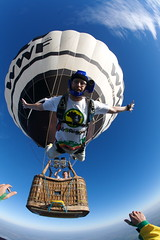 skydive balloon Cocaleman (Rick Neves) Tags: morning blue sun hot me sport photo foto balloon picture rick balo radical salto skydive visual coca esporte wwf aventura neves paraquedas paracaidismo paraquedismo paracaigudisme     skydivingpictures rickneves skakatispadobranom langevarjuma oktiparaiutu  hidhem parashut  skoizlietadla skydivepictures