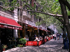 Cafe on Broadway, Upper West Side, Wikipedia Commons