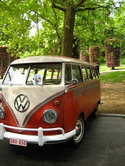 Hippie+Bus+-+a+Volkswagen+Type+2+Van