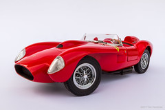 I finally got a Ferrari! (khendrix21) Tags: danburymint 1958 ferrari 250 testarossa 124scale diecast model car