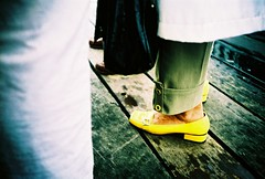 to temping (lomokev) Tags: wood feet yellow bag lomo lca xpro lomography crossprocessed xprocess madera shoes legs leg lomolca le havre boardwalk normandie agfa holz jessops100asaslidefilm handbag normandy agfaprecisa lomograph agfaprecisa100 cruzando precisa jessopsslidefilm  file:name=070821lomolcad110