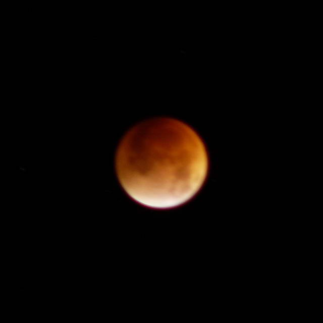 3. Lunar eclipse, 2007-08-28 09:59:28 UT (photographer: Michael McNeil)