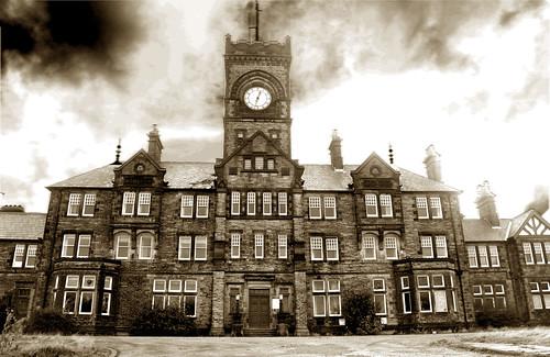 2065697002 c9a3d5fd72 10 bekas rumah sakit jiwa menyeramkan yang ditutup di Inggris