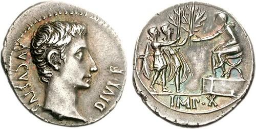 700 Augustus Denarius Reverse. Roman Soldiers