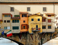Houses (CGoulao) Tags: bridge italy orange house yellow catchycolors florence casa laranja ponte amarelo firenze ochre florena pontevecchio itlia ocre oldbridge blueribbonwinner outstandingshots diamondclassphotographer flickrdiamond photofaceoffwinner leuropepittoresque