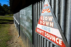 Slow down (obLiterated) Tags: australia queensland communitycenter somersetdam coronationhall