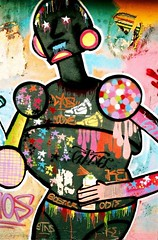 Robotina XIX (devilpato1) Tags: woman robot grafitti tag pintura ciencia ficcion figura grafo aerografo trazo