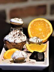 un petit goûter ? (karine_cattier) Tags: cupcake orange cmwd 7daysofshooting brightcolors texturetuesday