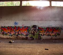 La Fabrica - 2009 (justuno) Tags: street art de graffiti la los san venezuela alien caracas just crew altos miranda antonio tortuga fabrica dinamo simbiosis perfecta