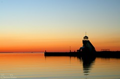 20070929_0275b (Fantasyfan.) Tags: sunset red sea building water beautiful topv111 tag3 taggedout finland topv555 topv333 tag2 tag1 silence oulu nallikari fantasyfanin siirretty