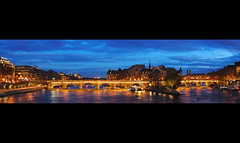 Dusk on the Pont Neuf (David Giral | davidgiralphoto.com) Tags: city panorama david paris france island nikon dusk cit ile pont d200 neuf giral nikond200 18200mmf3556gvr