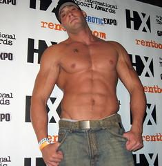 gay muscular marseille escort