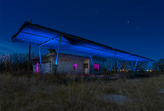 R staurant (Noel Kerns) Tags: abandoned night restaurant texas drivein trent flickrland fl1108 catchycolorsflickrish