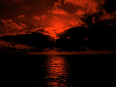 estasi (LIGSGE) Tags: sardegna clouds tramonto nuvole mare cielo sole rosso riflessi alghero blueribbonwinner atardacer supershot abigfave anawesomeshot wowiekazowie ligsge
